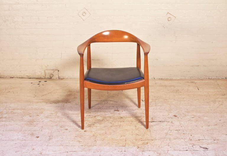 Scandinavian Modern Hans Wegner Round Chair for Johannes Hansen