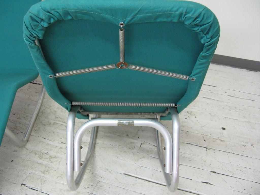 Pair of ralph elliott aluminium and canvas chaise at 1stdibs for Chaise longue aluminium