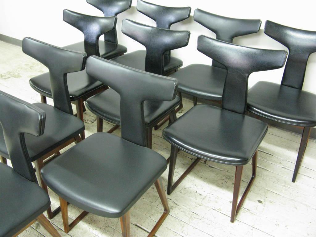 Scandinavian Modern Set of 10 Dining Chairs by Arne Vodder