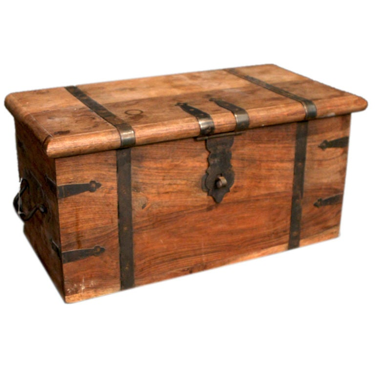 Antique Wooden Trunk At 1stdibs