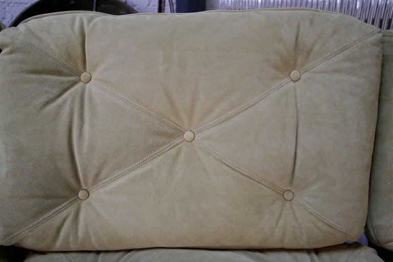 Jean Gillon 1960s Brazilian Jacaranda Three-Seat Sofa For Sale 5