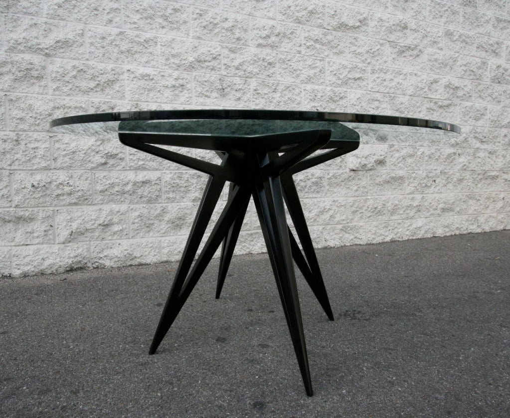 American Custom Star Leg Glass Top Ebonized Round Dining Table for Four by Adesso Imports For Sale