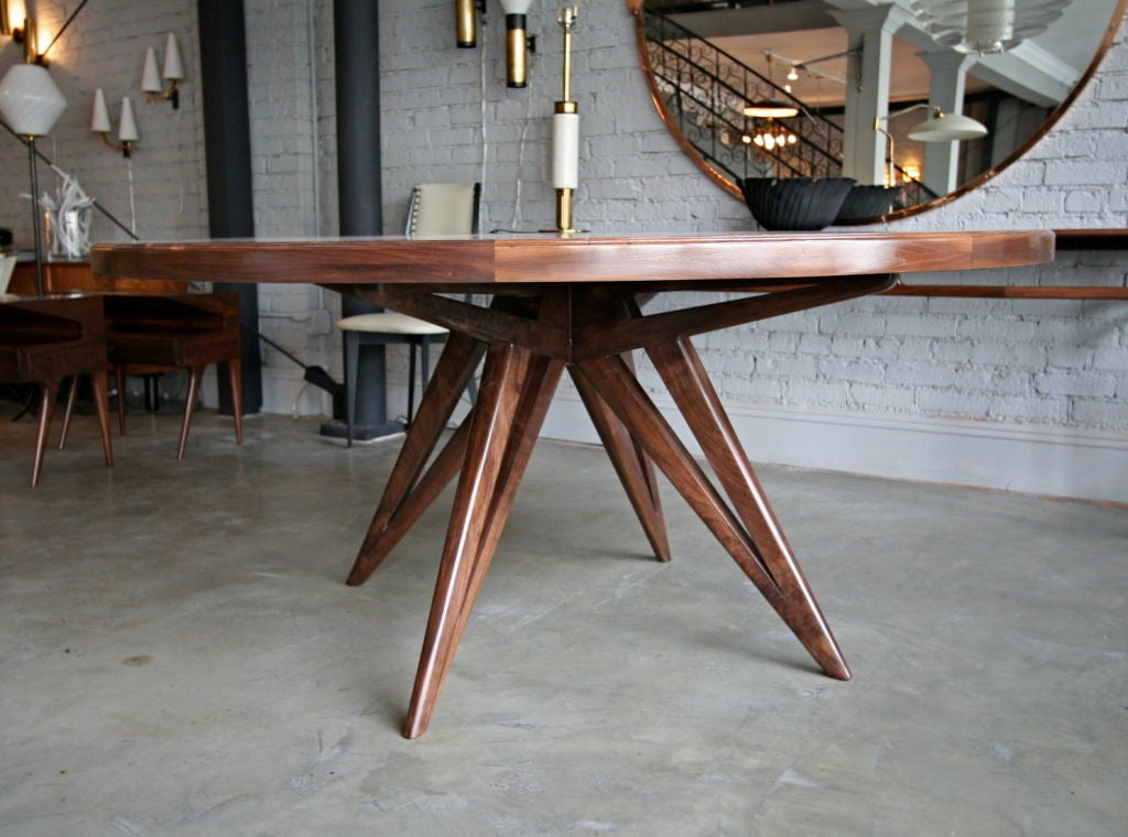 custom star leg round wood dining table for eight for sale at 1stdibs. Black Bedroom Furniture Sets. Home Design Ideas