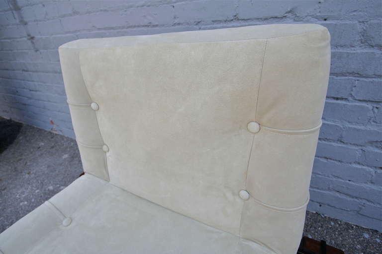 Jorge Zalszupin 1960s Brazilian Jacaranda Wood Lounge Chair in Beige Suede For Sale 1