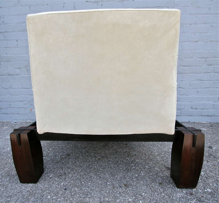 Jorge Zalszupin 1960s Brazilian Jacaranda Wood Lounge Chair in Beige Suede For Sale 2