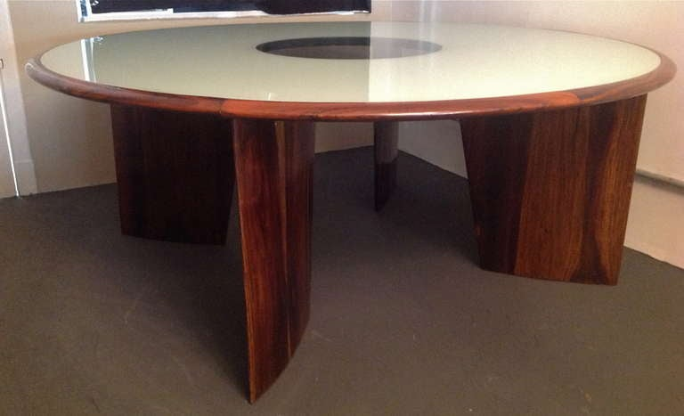 1960s Brazilian Jacaranda Round Dining Table for Eight For Sale 2