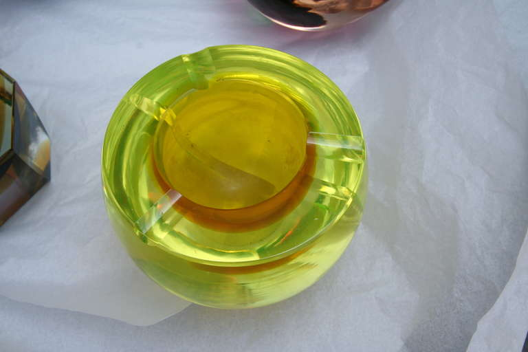 Set of 14 colorful Murano glass pieces (vases and ashtrays) (Prices vary according to piece)
