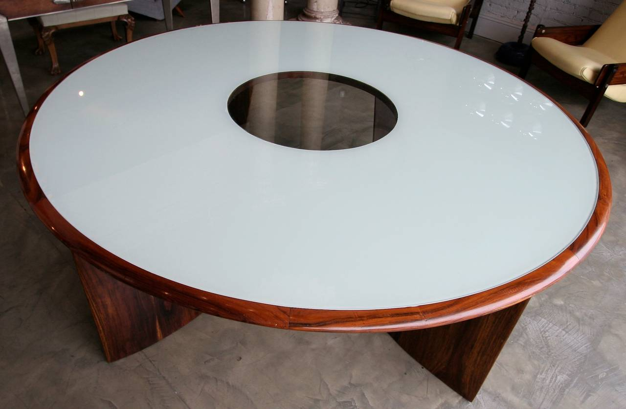 Mid-Century Modern 1960s Brazilian Jacaranda Round Dining Table for Eight For Sale
