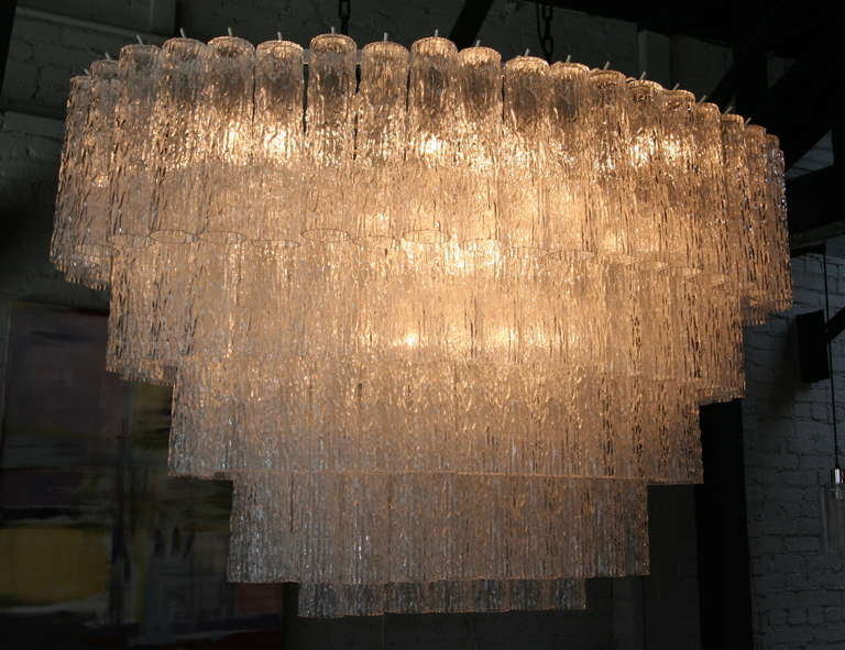 Italian Large 1970s Venini Murano Clear Glass Chandelier with Five Tiers For Sale