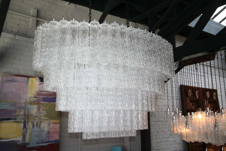 Late 20th Century Large 1970s Venini Murano Clear Glass Chandelier with Five Tiers For Sale