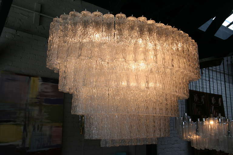 Large 1970s Venini Murano Clear Glass Chandelier with Five Tiers In Good Condition For Sale In Los Angeles, CA