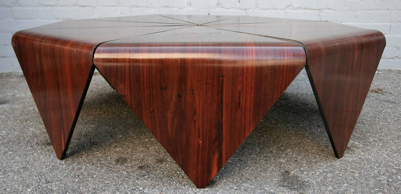 Very rare 1960s octagonal Brazilian jacaranda coffee table Petalas, a masterpiece designed by Jorge Zalszupin, one of the most famous Midcentury Brazilian architects and designers.
