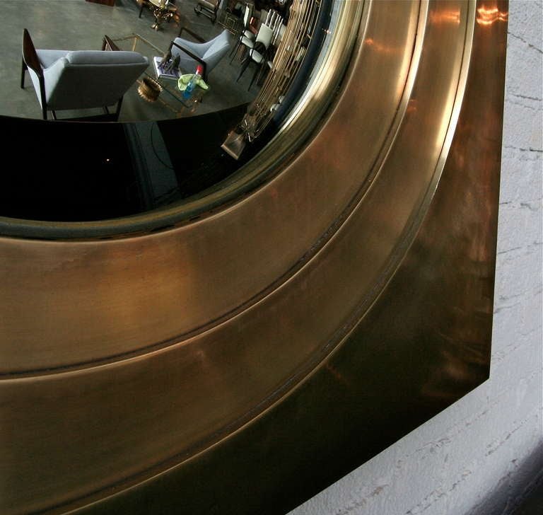 Brass Convex Mirror In Excellent Condition For Sale In Los Angeles, CA
