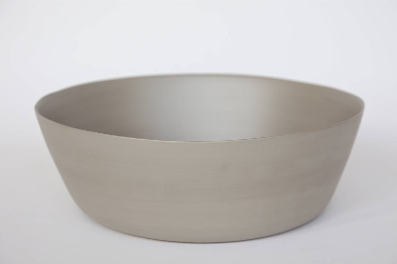 Hand-Crafted Rina Menardi Handmade Ceramic Splash Bowls and Dishes For Sale