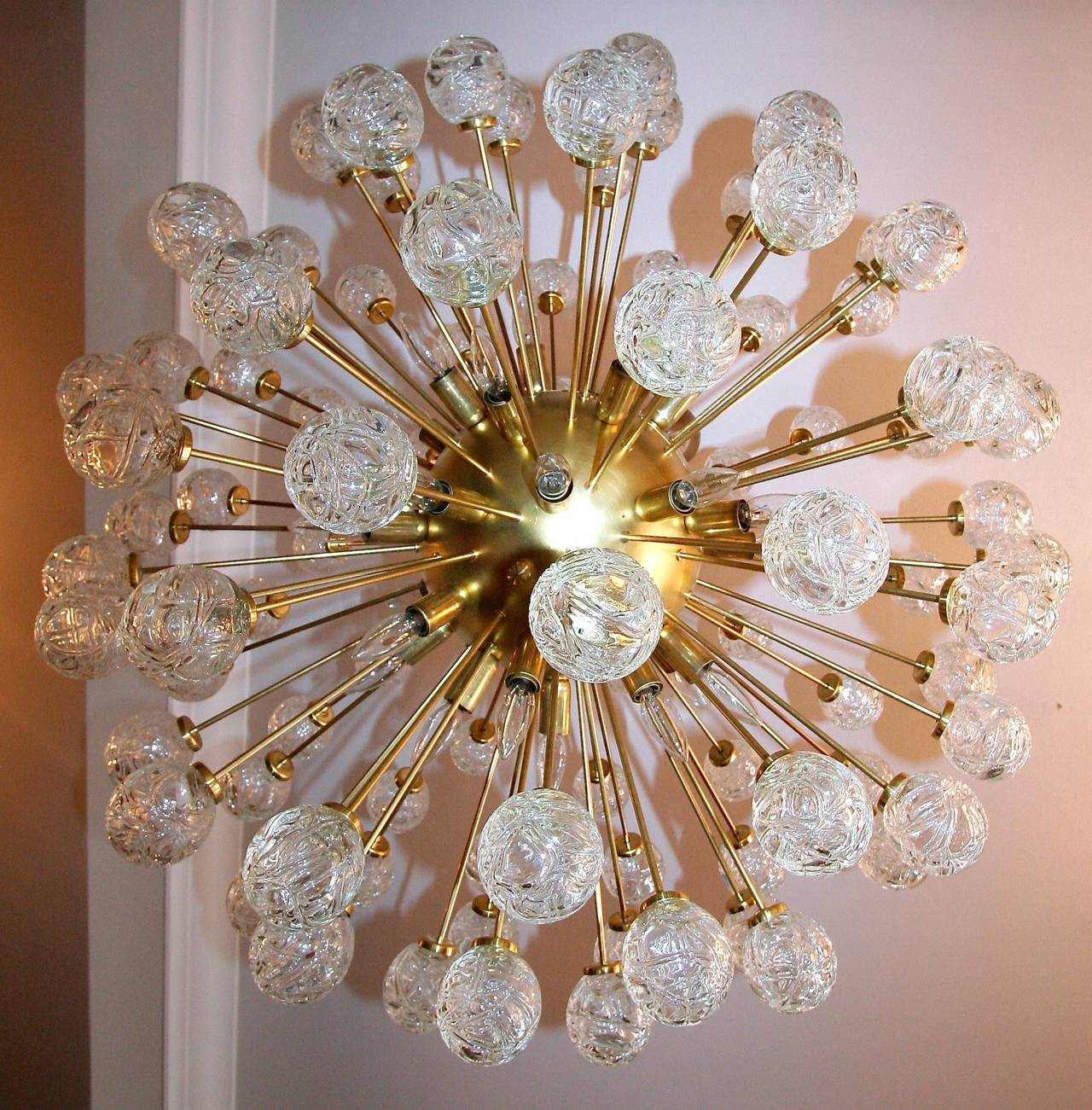 Mid-Century Modern Rose Sputnik Chandelier, 1980s For Sale