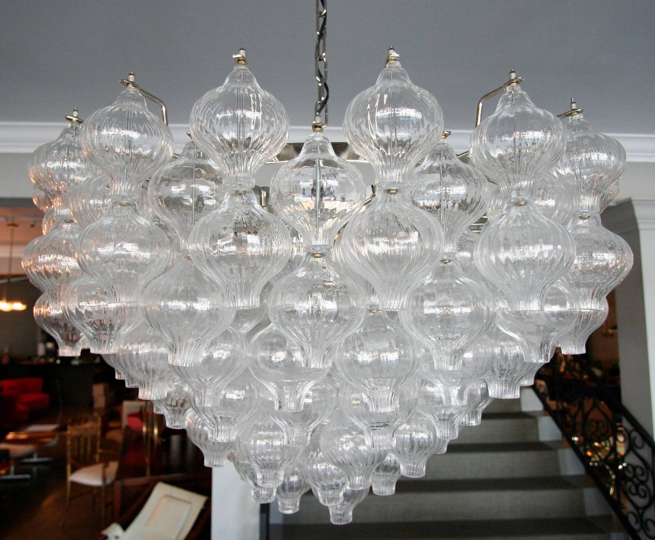 Mid-Century Modern Murano Glass 1960s Tulip Chandelier For Sale