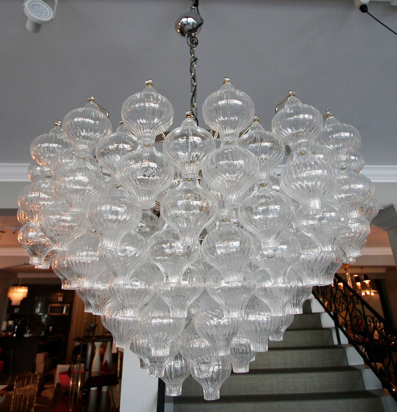 Mid-20th Century Murano Glass 1960s Tulip Chandelier For Sale