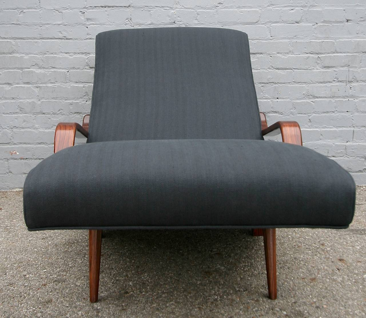 Scapinelli 1960s Brazilian Rosewood Chaise Longue For Sale 2