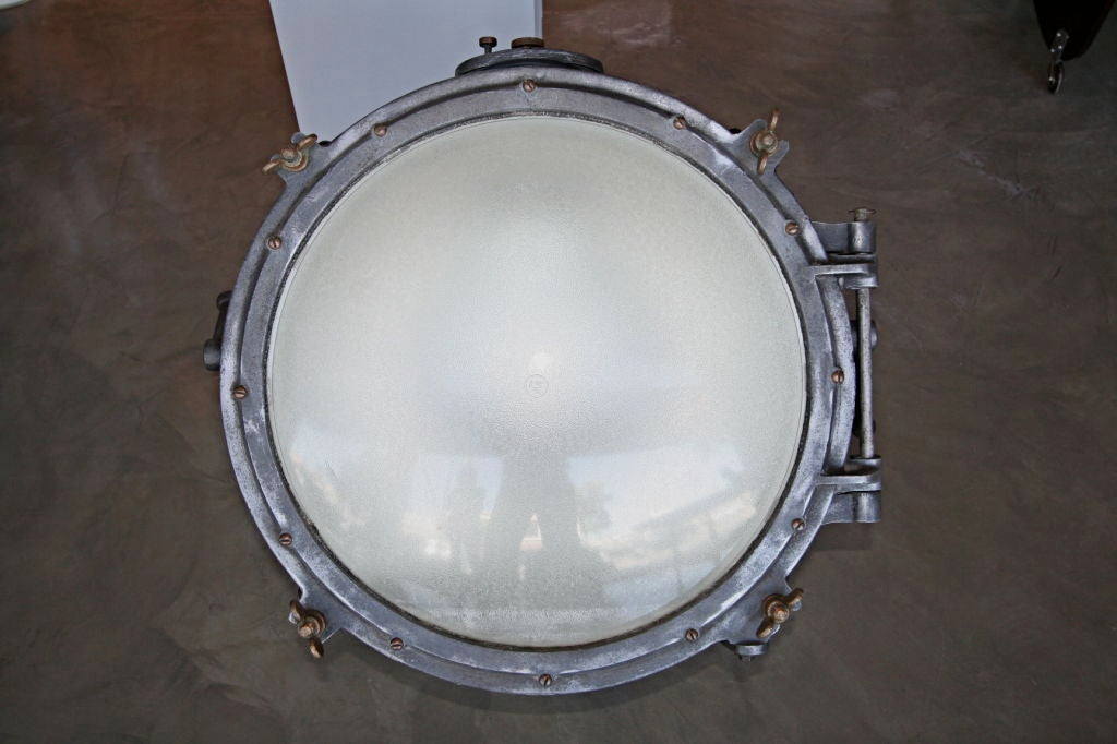 Pair of 1920s Westinghouse Flood Lights In Good Condition For Sale In Los Angeles, CA