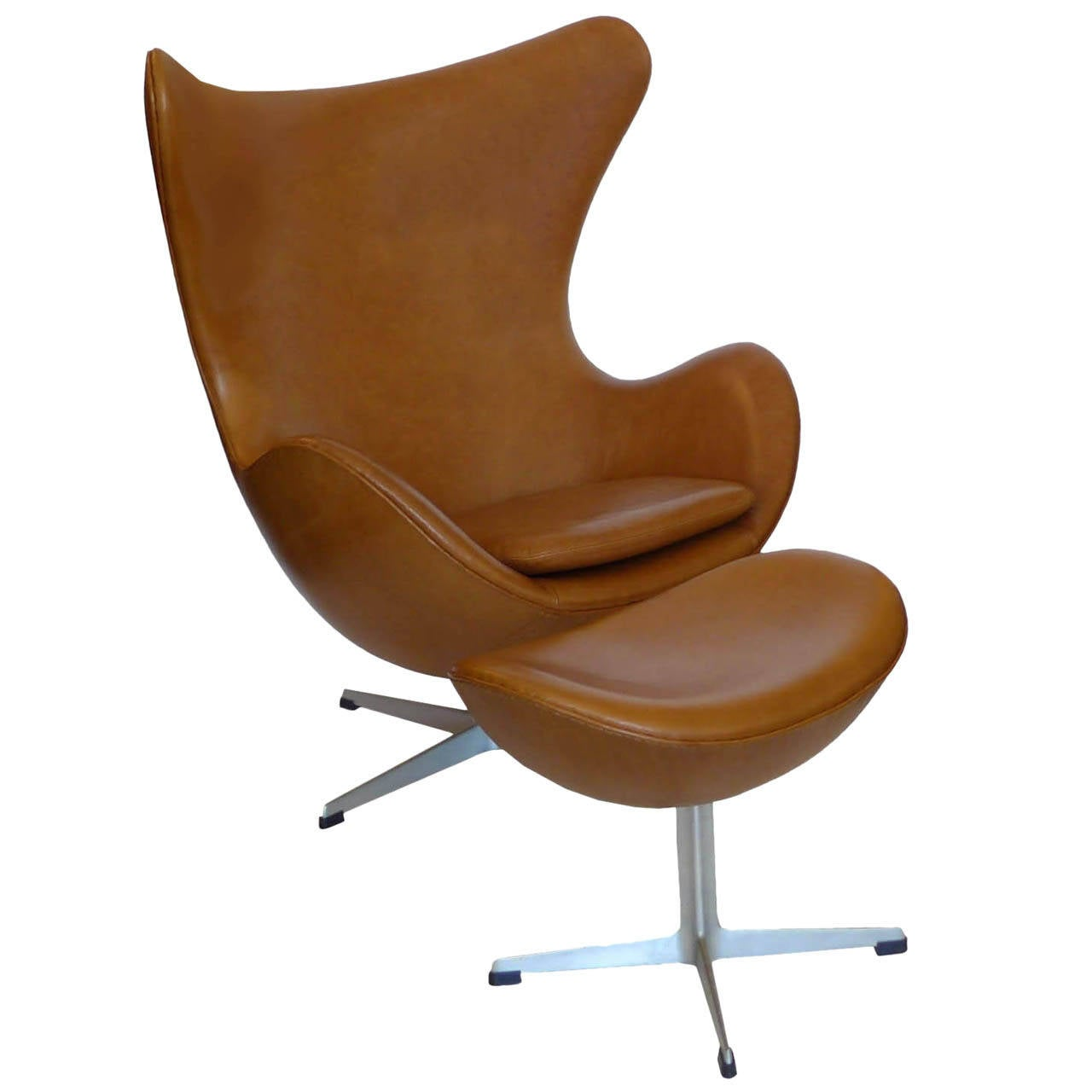 original carmel tan egg chair and ottoman by arne jacobsen. Black Bedroom Furniture Sets. Home Design Ideas