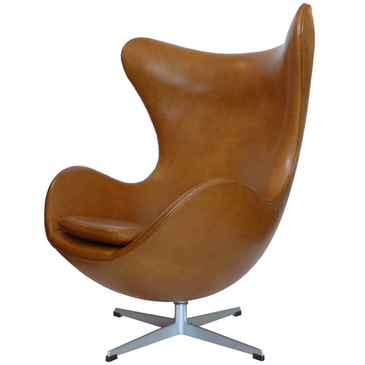Original carmel tan egg chair and ottoman by arne jacobsen for Egg chair original