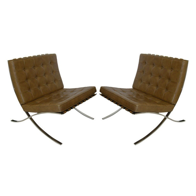 pair of tan knoll original mies van der rohe barcelona chairs at 1stdibs. Black Bedroom Furniture Sets. Home Design Ideas