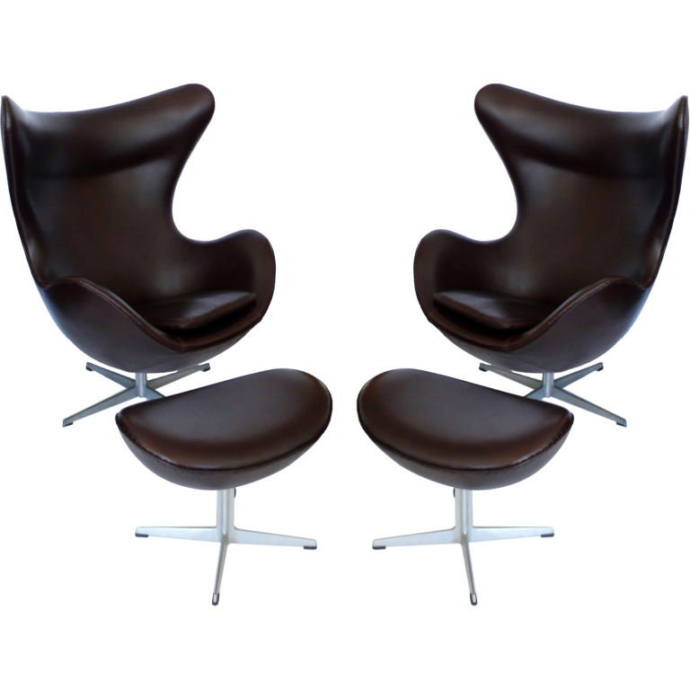 Pair dk brown leather egg chairs w ottomans by arne jacobbsen at 1stdibs - Second hand egg chair ...