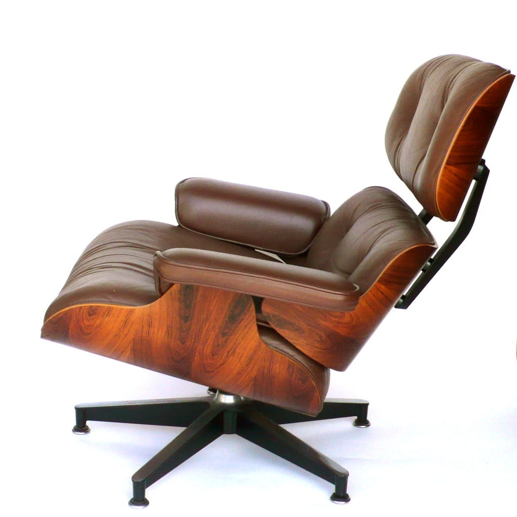 original eames 670 lounge chair and 671 ottoman in milk chocolate at 1stdibs. Black Bedroom Furniture Sets. Home Design Ideas