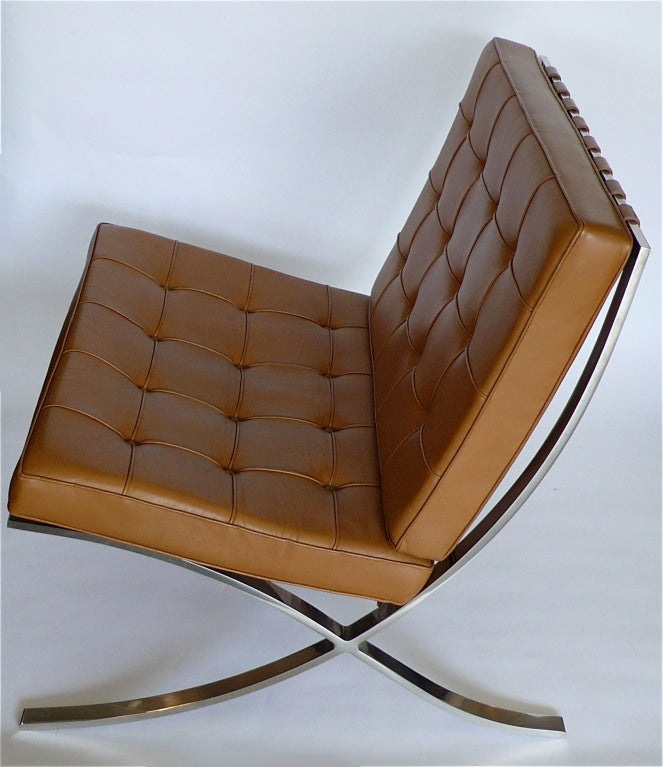this pair of knoll original mies van der rohe barcelona chairs label. Black Bedroom Furniture Sets. Home Design Ideas