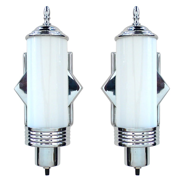 Art Glass Wall Lights: Pair Of Original Art Deco Chrome And Glass Wall Sconces At
