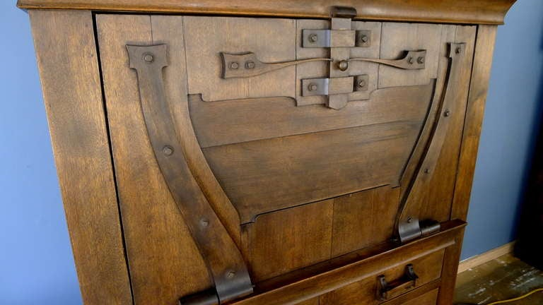 Drop front desk arts and crafts style at 1stdibs for Art and craft desk with storage