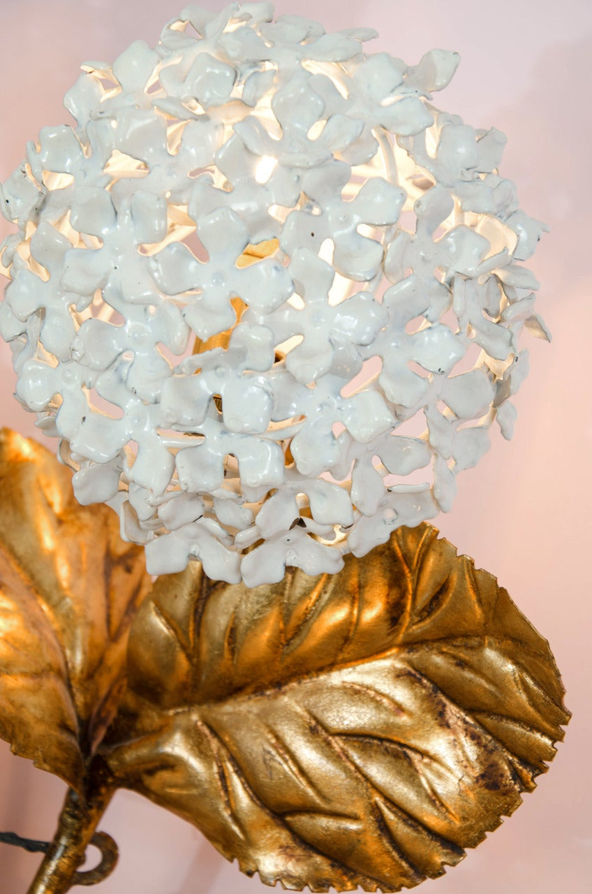 Rare 1950s US Hydrangea Wall Light For Sale 2
