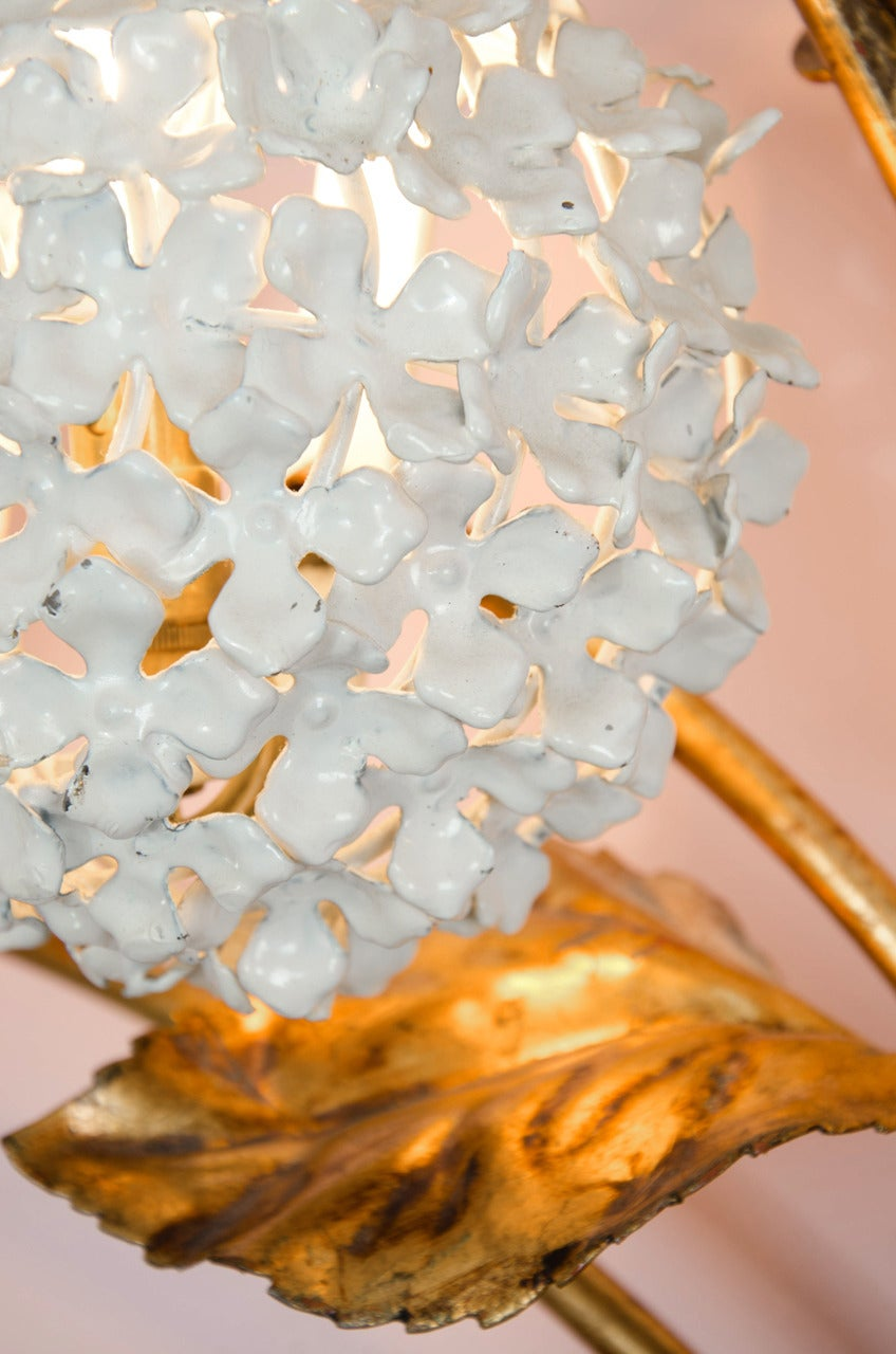 Rare 1950s US Hydrangea Wall Light For Sale 3