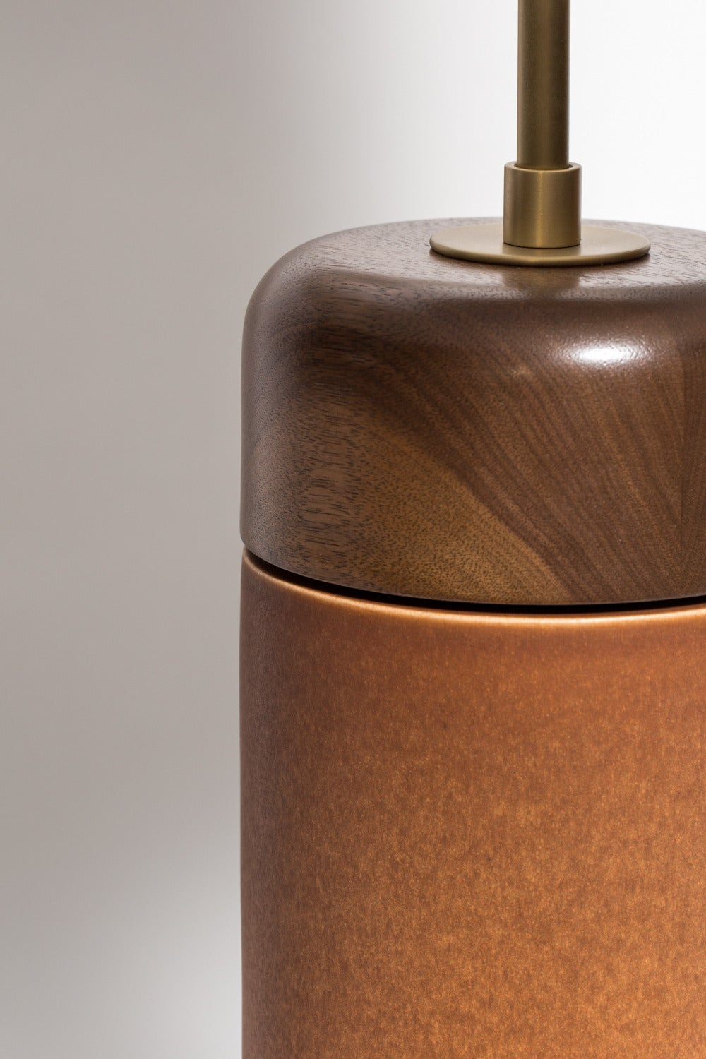 Stone and Sawyer Walnut and Ceramic Table Lamp In Excellent Condition For Sale In New York, NY