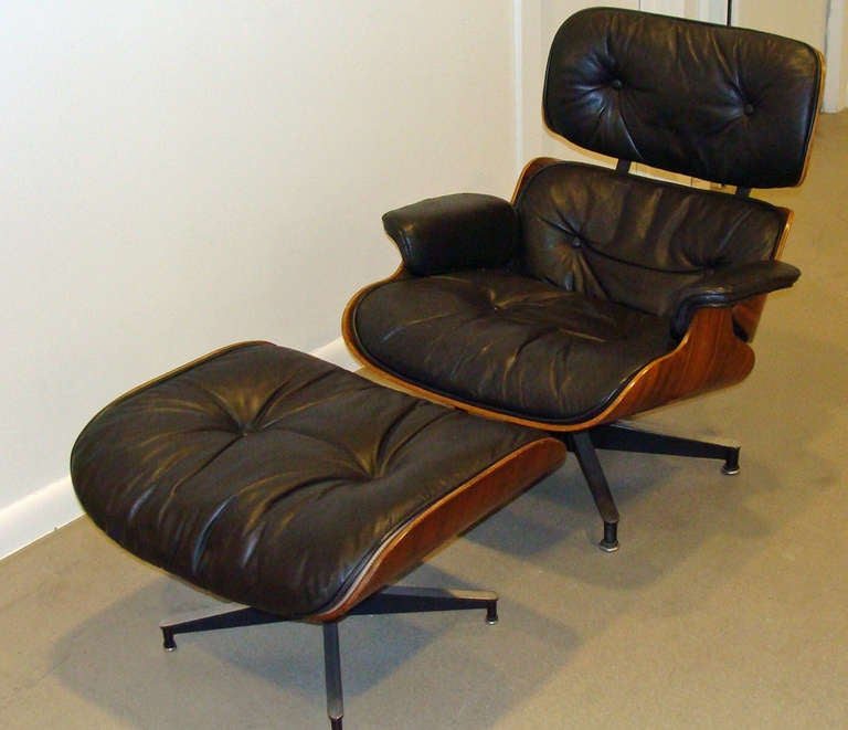 Exceptionnel Mid Century Modern Vintage Eames Lounge Chair And Ottoman For Sale