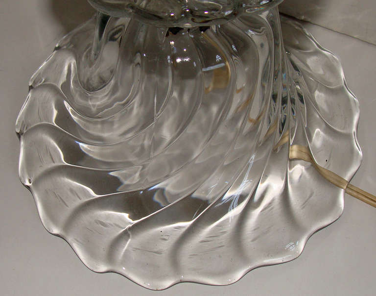 Pair of Swirled Glass Lamps In Good Condition For Sale In Lambertville, NJ