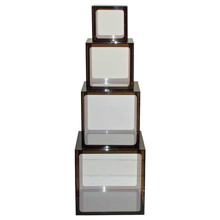 Allesandro Albrizzi Nest Of Four Lucite Cube Tables At 1stdibs