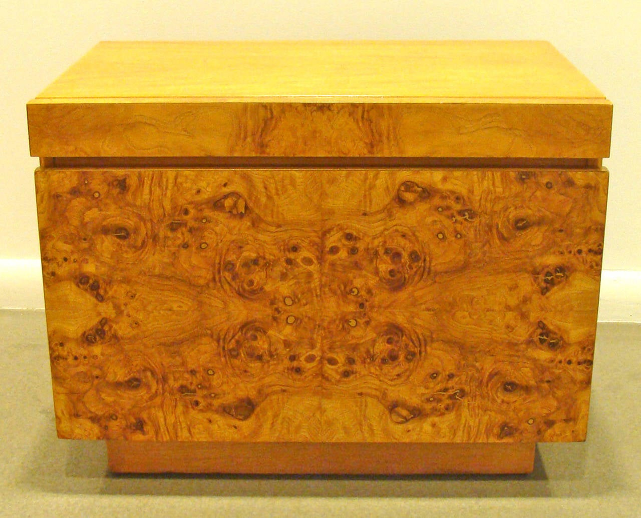 Pair Of Lane Burl Wood End Tables Or Nightstands At 1stdibs