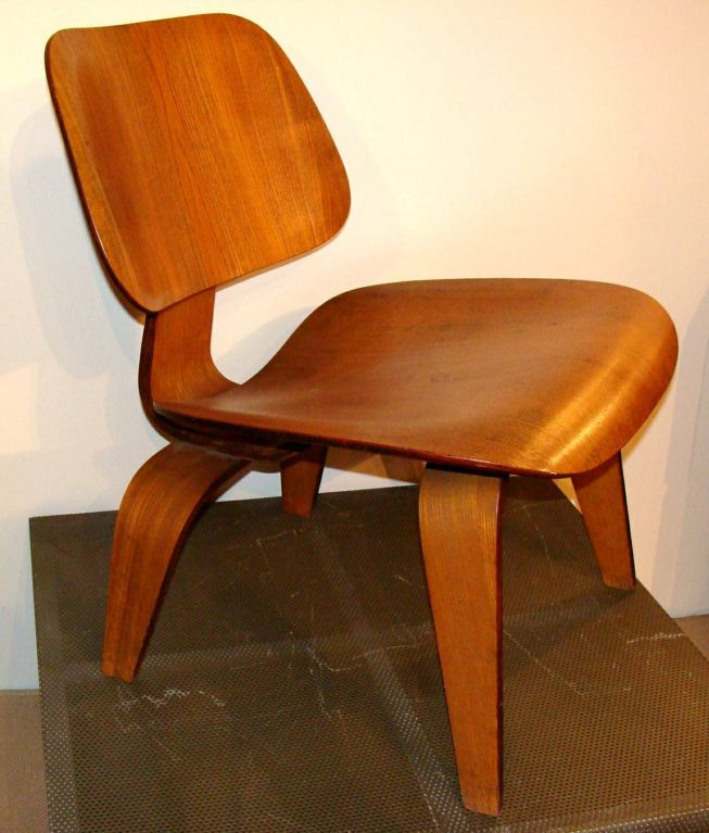 Eames lcw evans for sale at 1stdibs for Eames chair prix