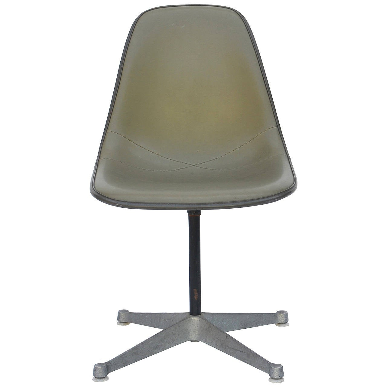 eames aluminum group swivel chair in elephant grey stitched naugahyde at 1stdibs. Black Bedroom Furniture Sets. Home Design Ideas