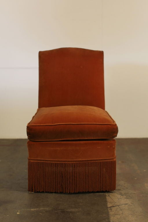 Chic Small French, 1940s Slipper Chair In Good Condition For Sale In Los  Angeles,
