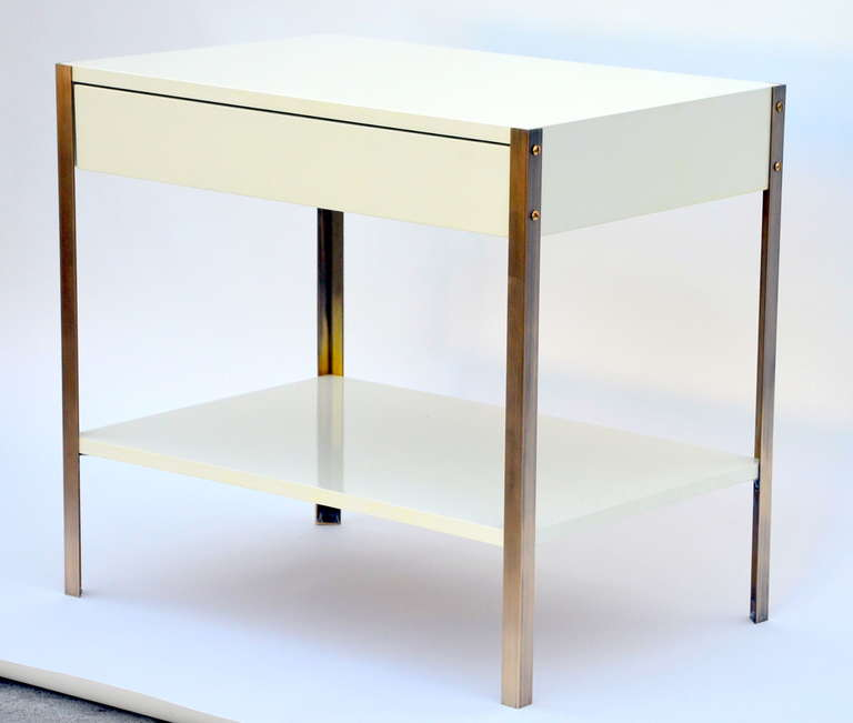French Pair of Minimalist Ivory Lacquer and Brass Nightstands For Sale