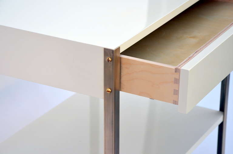Pair of Minimalist Ivory Lacquer and Brass Nightstands In Excellent Condition For Sale In Los Angeles, CA