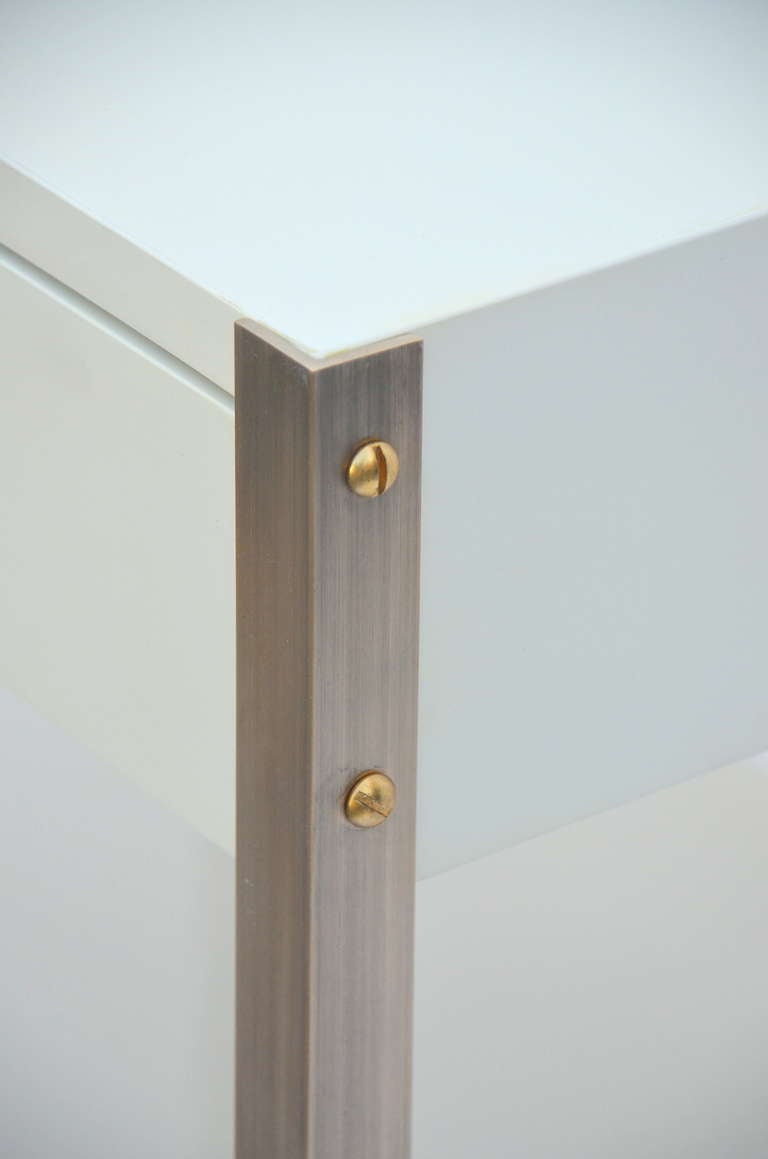 Pair of Minimalist Ivory Lacquer and Brass Nightstands For Sale 2