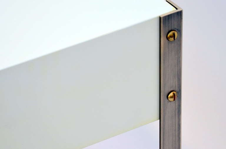 Pair of Minimalist Ivory Lacquer and Brass Nightstands For Sale 3