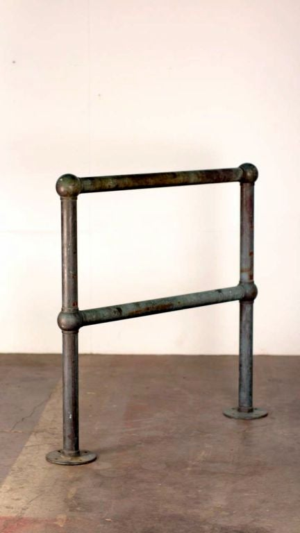 Pair of Bronze Architectural Railings, Balustrades or Room Dividers In Good Condition For Sale In Los Angeles, CA