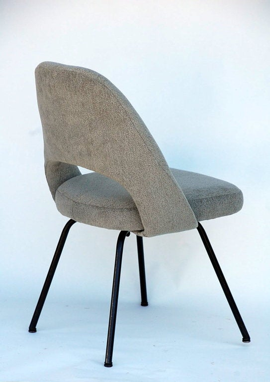 pair of classic executive chairs by eero saarinen for knoll at 1stdibs