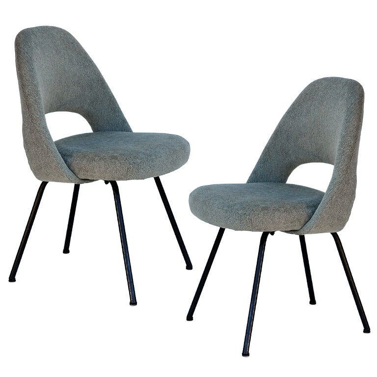 Pair Of Classic Executive Chairs By Eero Saarinen For