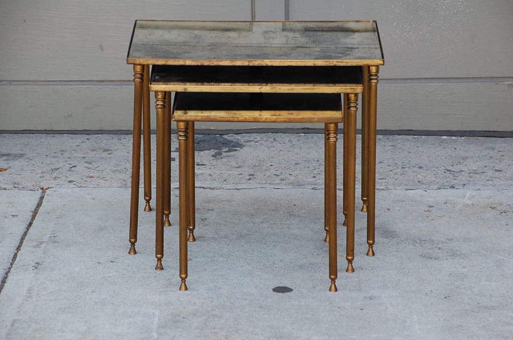 French Elegant Set Of Bronze And Antique Mirrored Nesting Tables For Sale