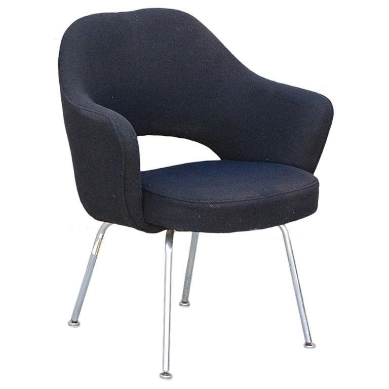 original executive armchair by eero saarinen for knoll at 1stdibs